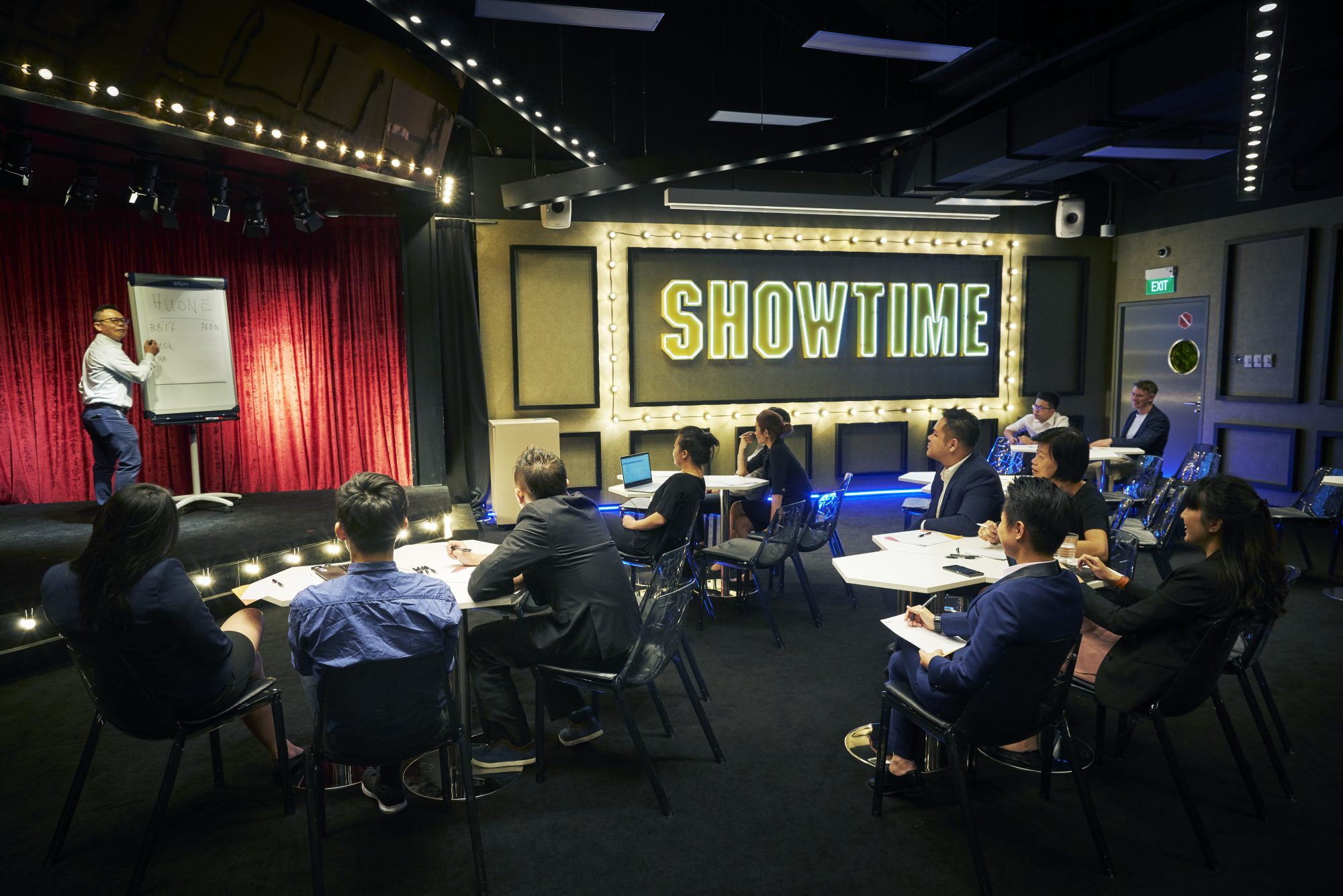 huone-singapore-conference-room-theatre