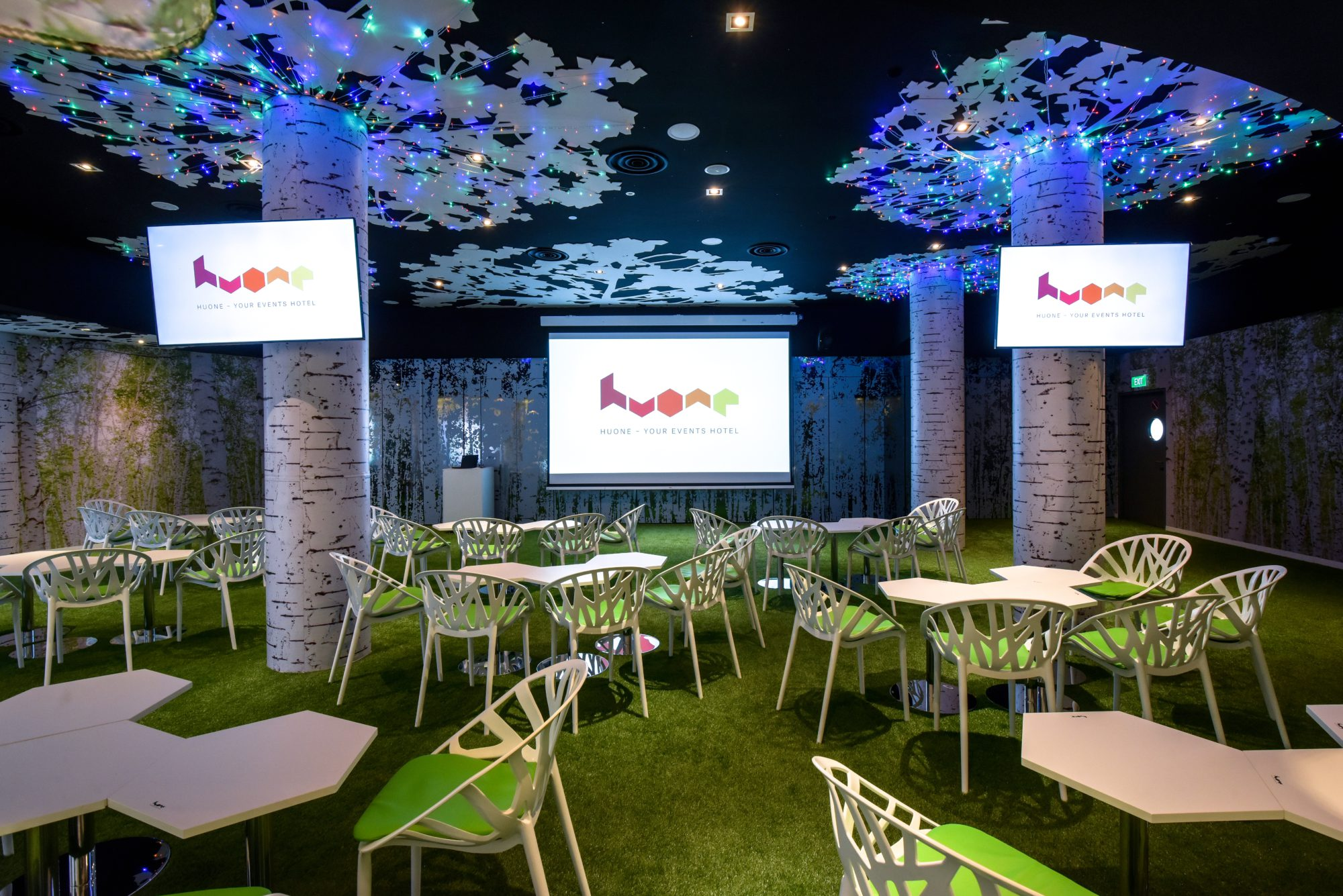 huone-singapore-conference-venue-forest